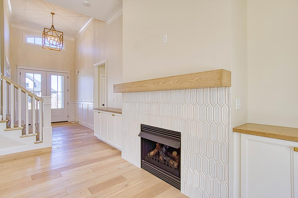 Fireplace/Entry